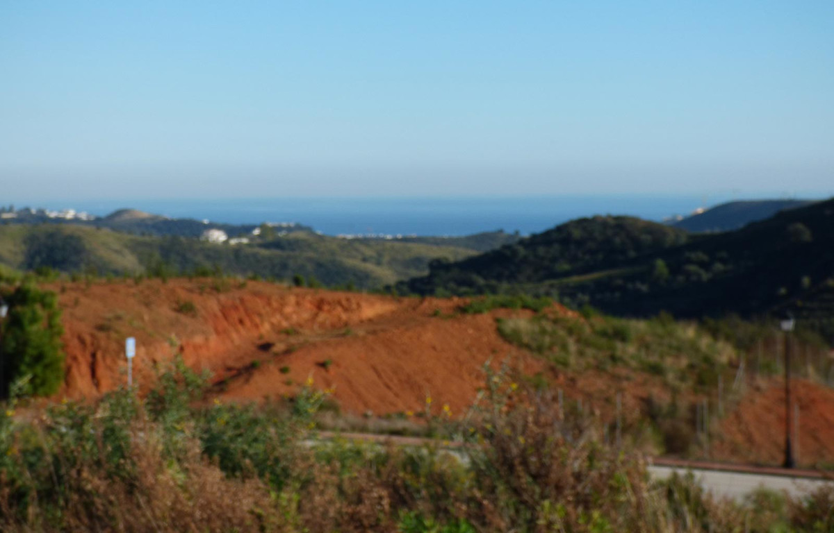 Residential plot in La Cala with great sea views and a buildability of up to 298 m2. Surrounded by b,Spain