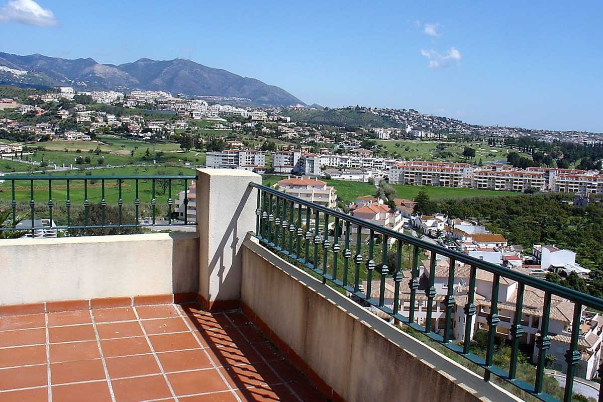 Nice 2 bedroom 2 bathroom apartment in block 6 of the ever still popular La Cala Hills phase 1, with, Spain