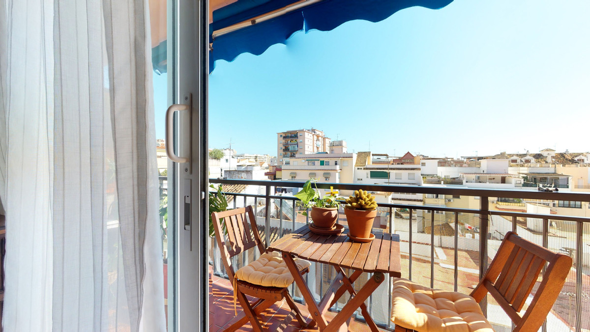 Excellent opportunity in the center of Fuengirola  If you are looking for is to forget about work, t,Spain