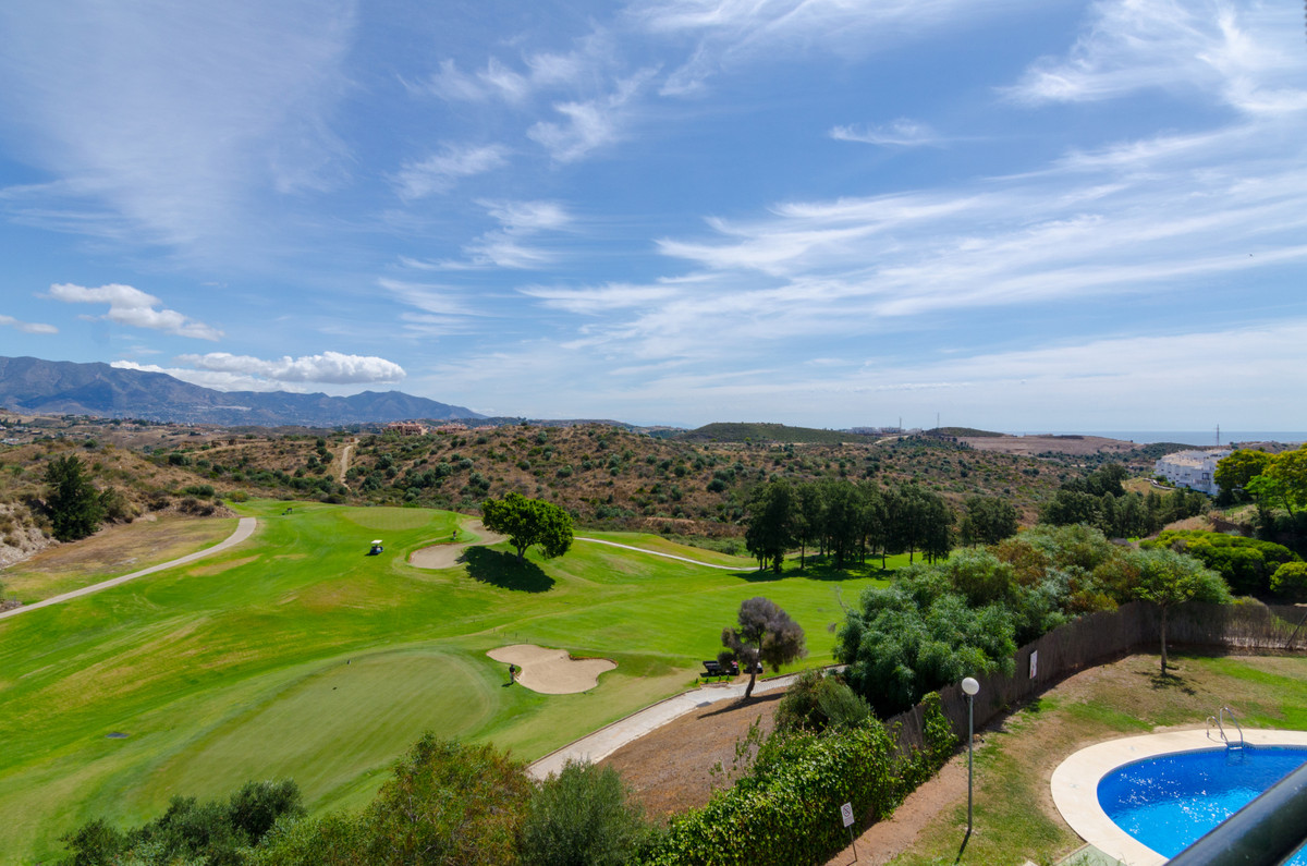 ARE YOU LOOKING FOR APARTMENT WITH BEAUTIFUL VIEWS LIKE A PENTHOUSE BUT AT THE PRICE OF AN APARTMENT,Spain