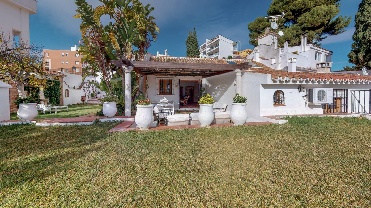 "COZY FOUR-BED HOUSE WITH AMPLE GARDEN IN THE CENTRE OF TORREMOLINOS.  Our property is called ""L, Spain"