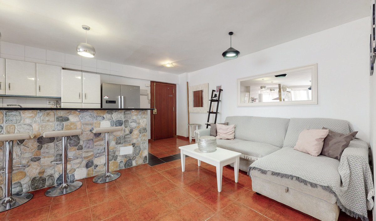 I present this excellent opportunity as a regular home or investment in the center of Fuengirola, it,Spain