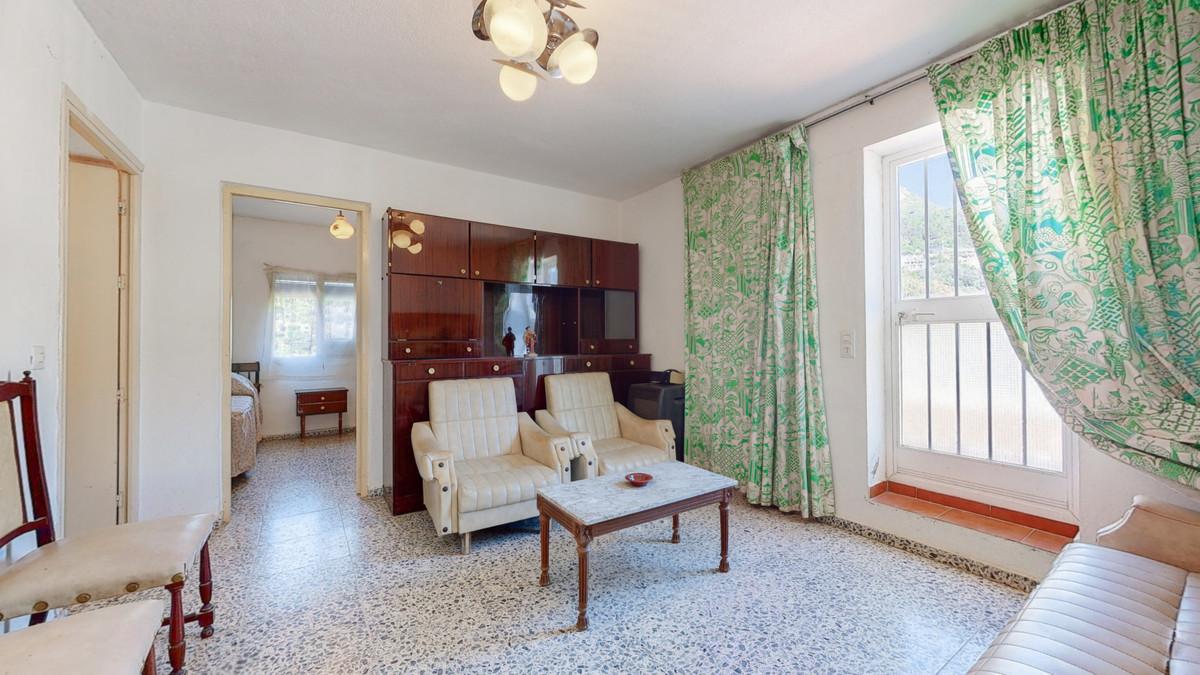 Villa con 3 Dormitorios en Venta Ojén
