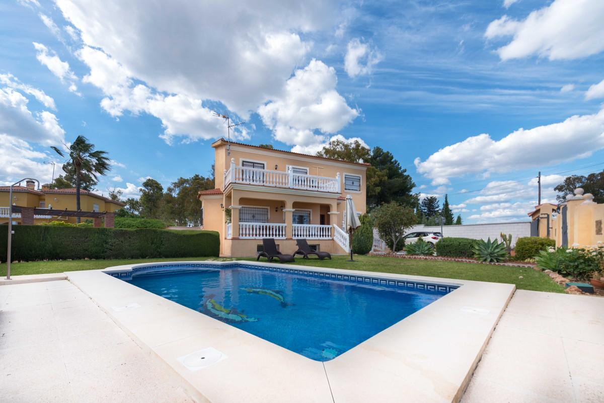 Detached Villa, Churriana, Costa del Sol. 5 Bedrooms, 3 Bathrooms, Built 248 m², Terrace 9 m², Garde,Spain