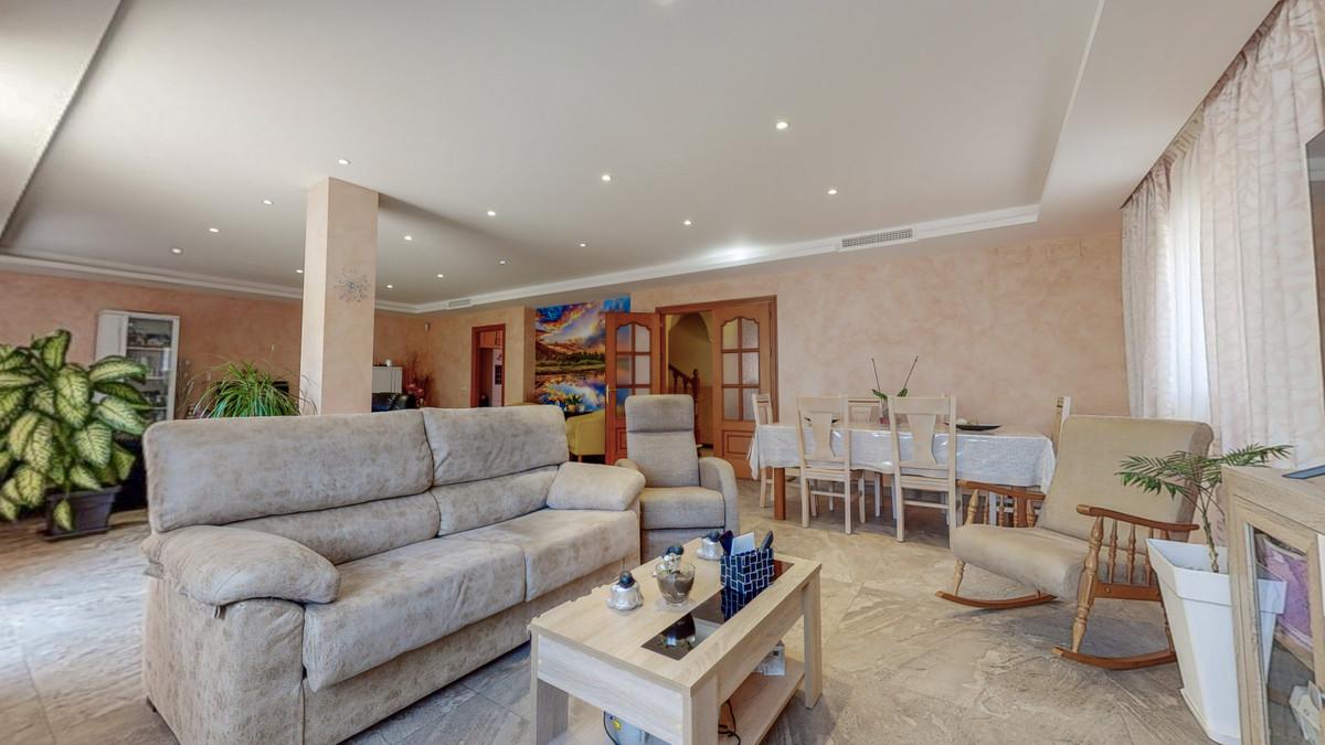 Villa Til salg i San Pedro de Alcántara R3903052
