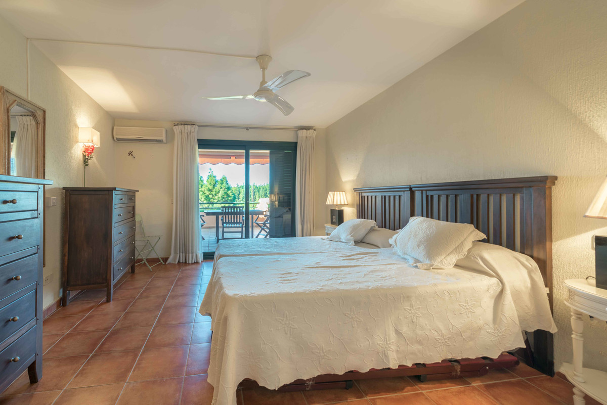 Villa con 4 Dormitorios en Venta Torre Real