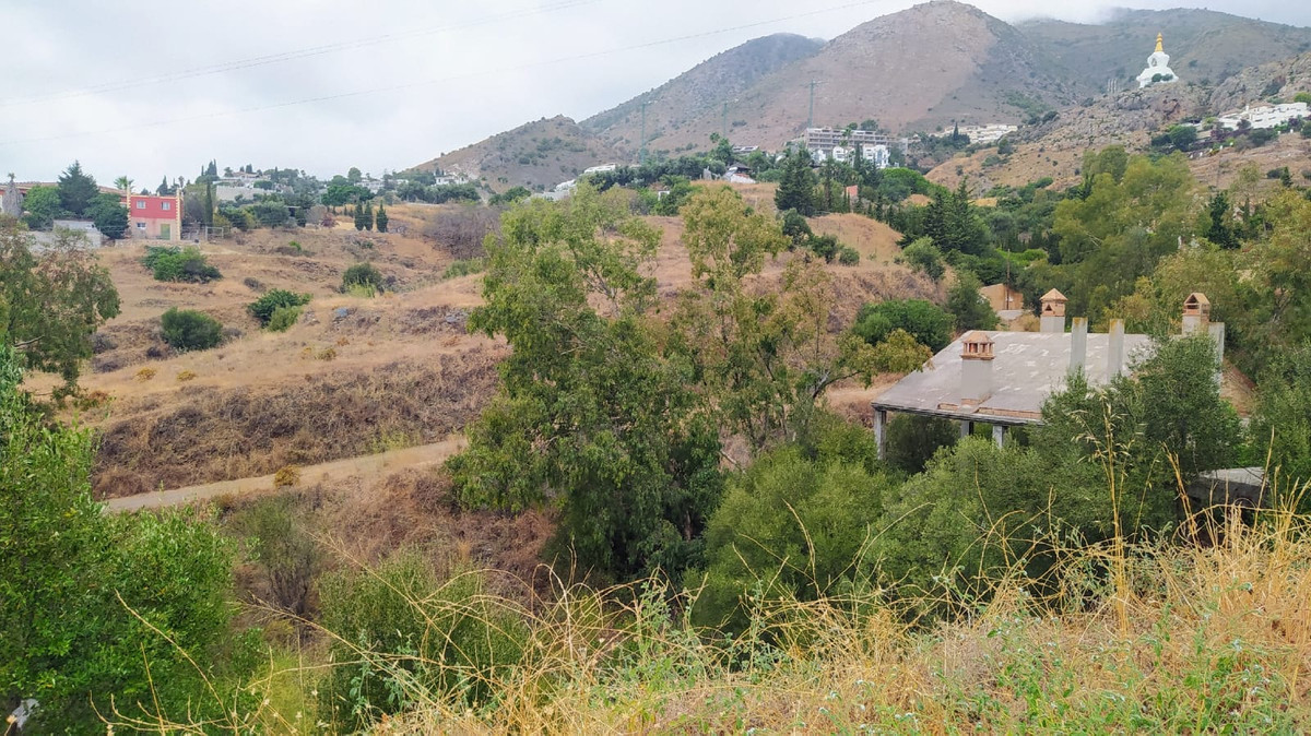 Plot  Land 													for sale  																			 in Benalmadena Pueblo