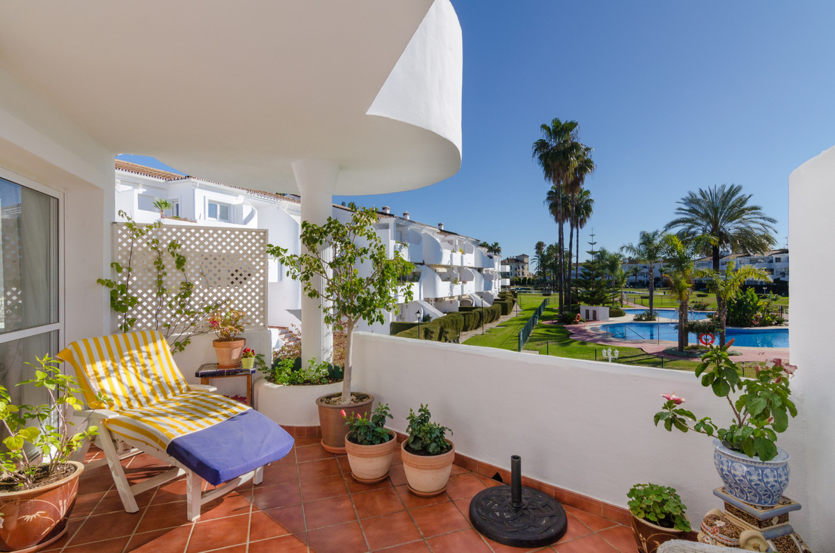 Middle Floor Apartment for sale in Mijas Golf R3772849