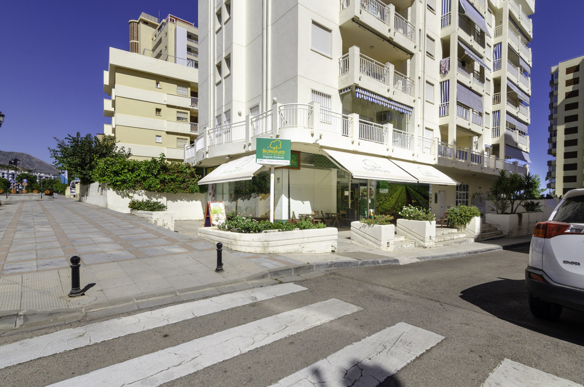 Impressive commercial premises in an unbeatable area of ??Los Boliches, located on the corner, on a ,Spain