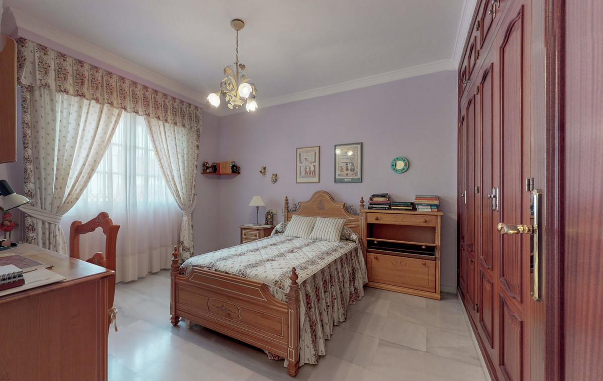 4 Bedroom Villa For Sale, Fuengirola