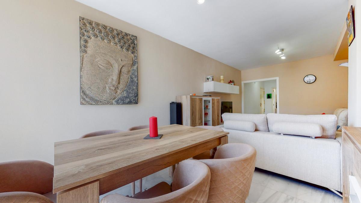 Apartamento en Venta en Nueva Andalucía – R3866476