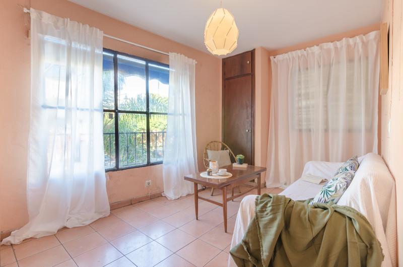 Marbella Banus Middle Floor Apartment a la venta, Fuengirola – R3598028