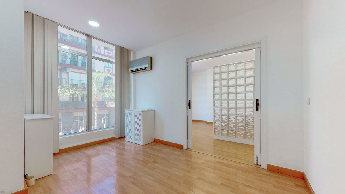 Very centrally located office in the most commercial area in Fuengirola. The location couldn´t be be,Spain