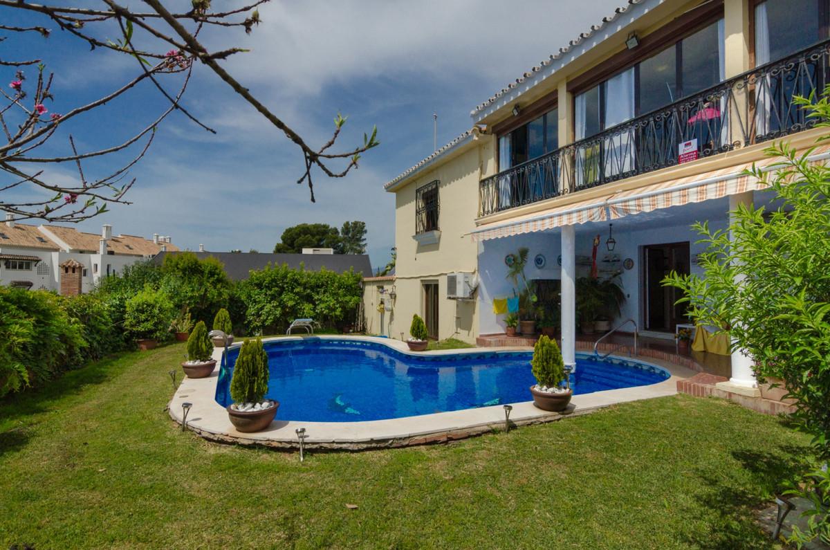 Marbella Banus Villa – Chalet en Venta en Marbella – R3452338