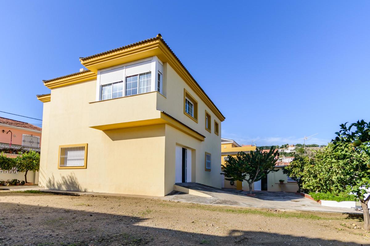 Detached Villa in Málaga R3450196