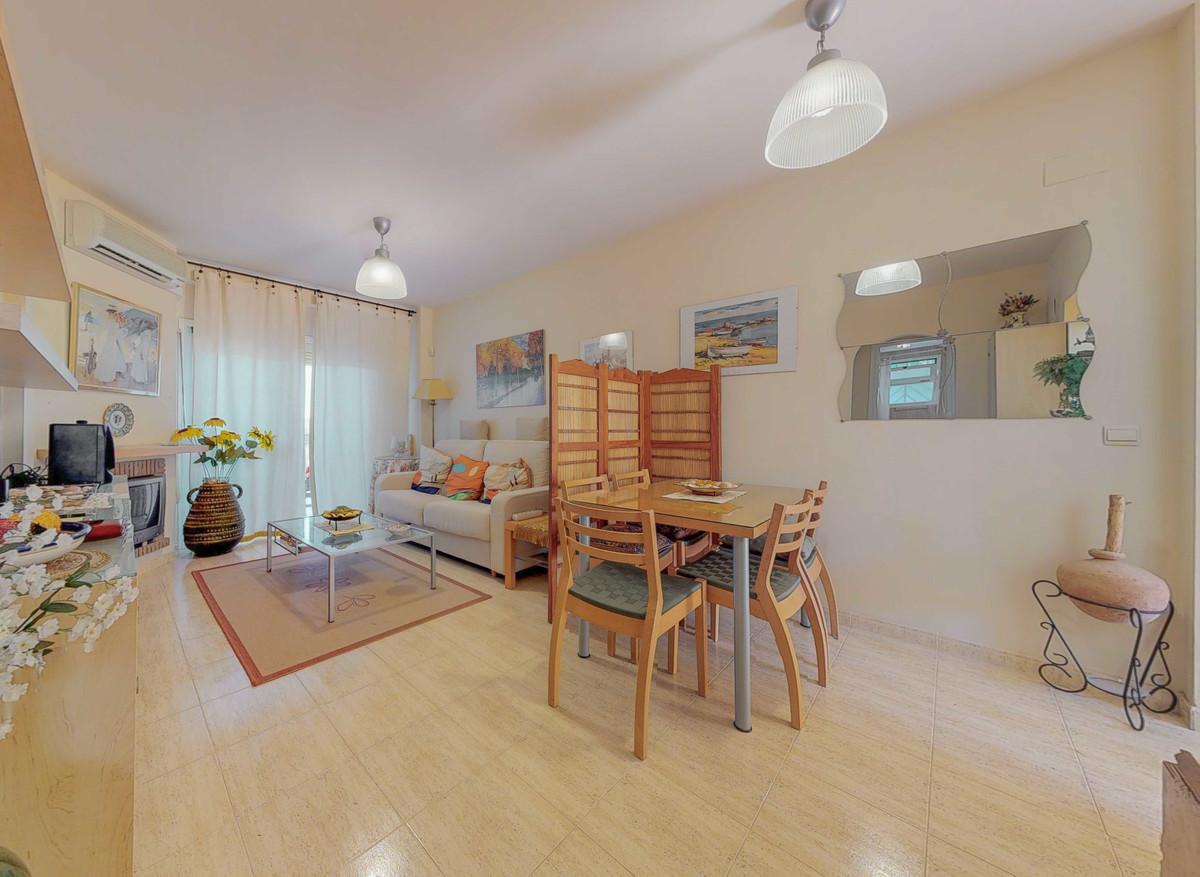 Apartamento en Venta en Calahonda – R3405178