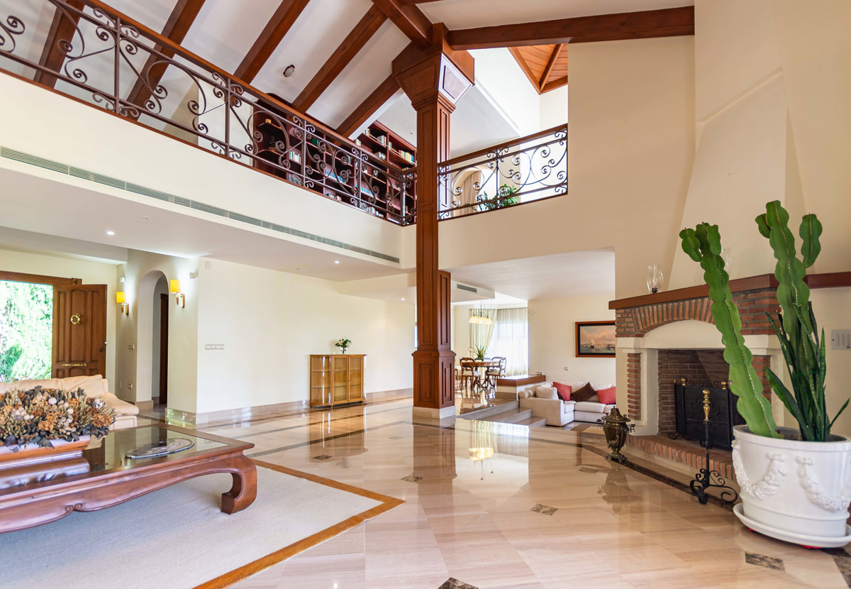 A luxury Villa in Carib Playa, just 600m from the sea, now available for long term rentals.   The ,Spain