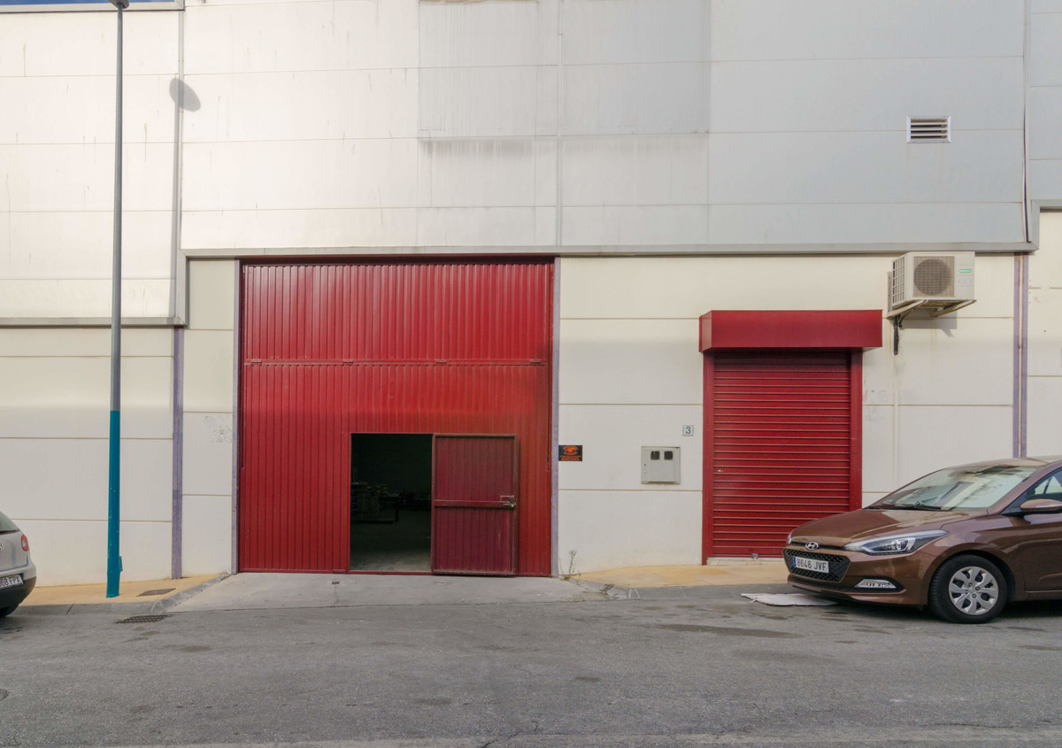 Industrial building in perfect condition and ready to start working on it, located in the best indus, Spain