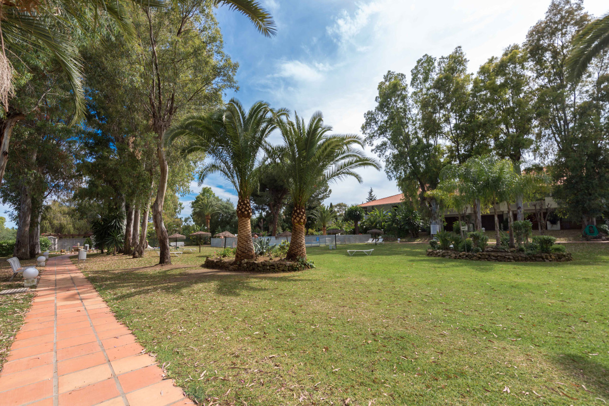 Apartment in Marbella area Nueva Andalucia, 73 m. of surface, 16 m2 of terrace, 100 m. from the beac,Spain