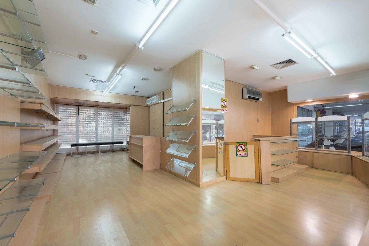 Commercial local located in the Center of Fuengirola, in Las Rampas area to be reformed divided into,Spain