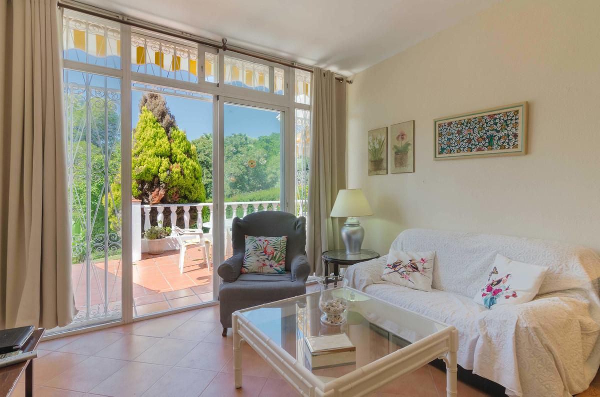 Apartamento Planta Baja en Venta en Marbella – R3520840