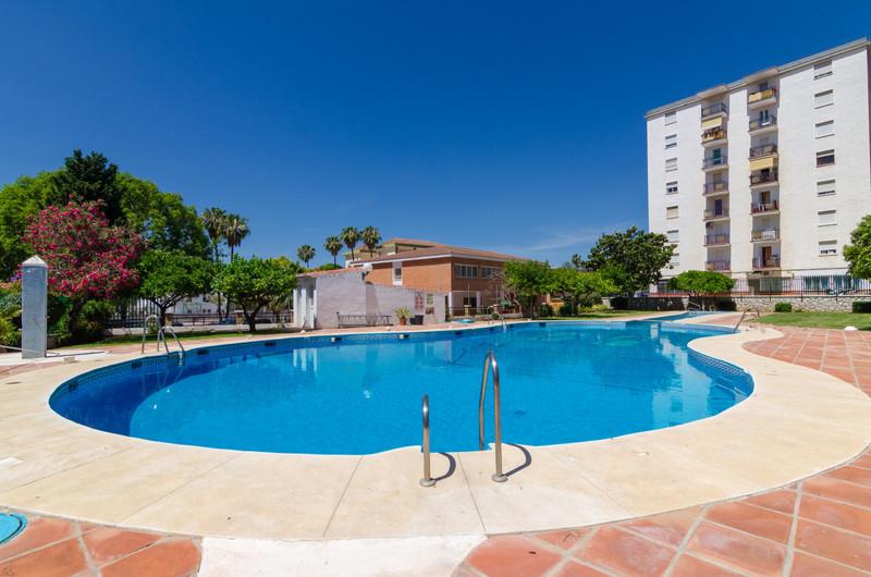 Marbella Banus Apartamento Planta Media a la venta, Fuengirola – R3540094