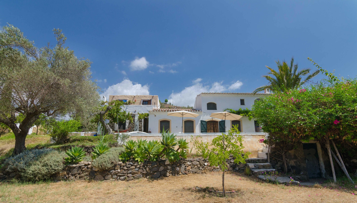 In this extraordinary property, of XIX century origin, modern environments are combined with rustic , Spain