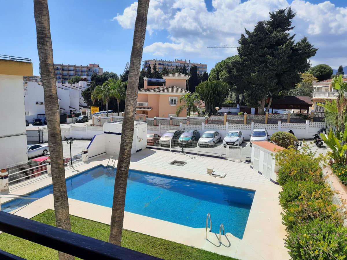 Apartamento  Planta Media en venta   en Torremolinos Centro
