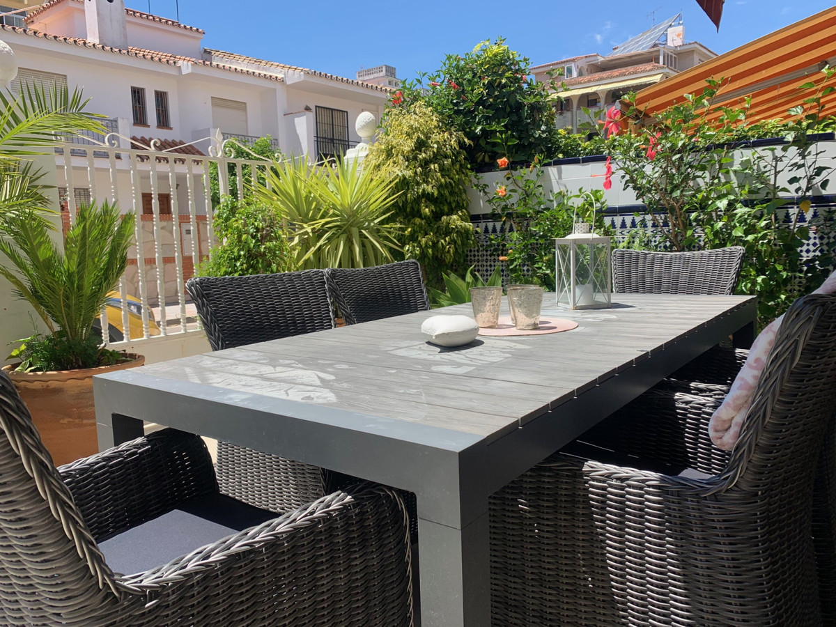 Wonderful townhouse in the heart of Fuengirola with large roof terrace and cozy patio! The house has, Spain