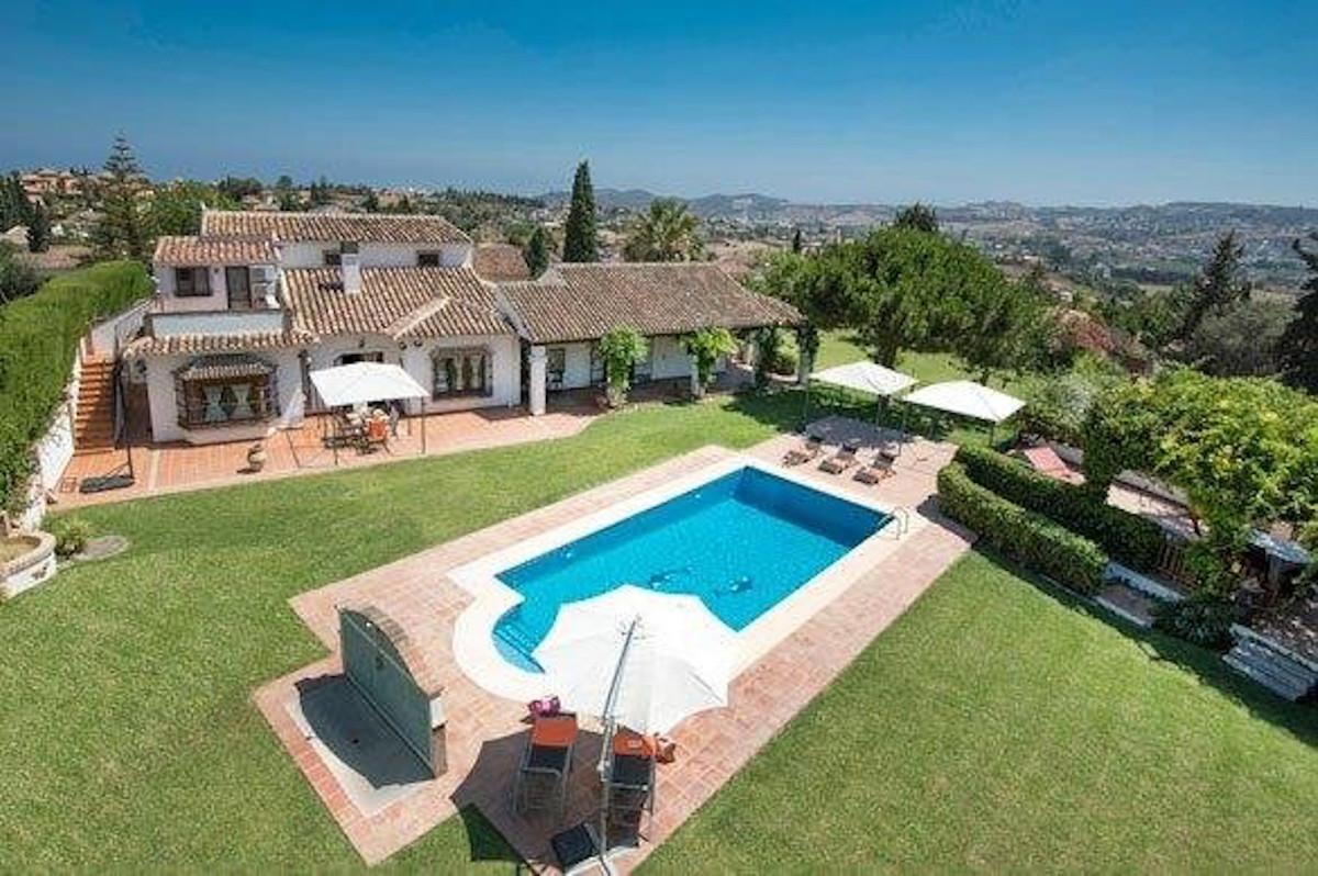 Villa Til salg i Mijas Costa R3886729