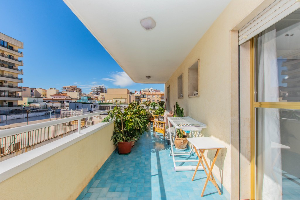 Apartment with 2 lovely terraces located in the heart of Fuengirola walking distance to the beach an,Spain