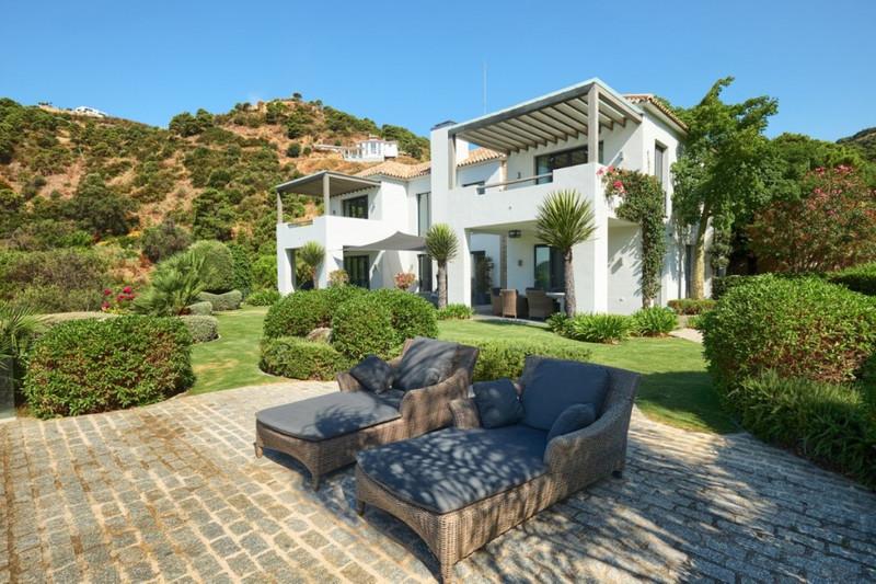 Villas for sale in Benahavis 13
