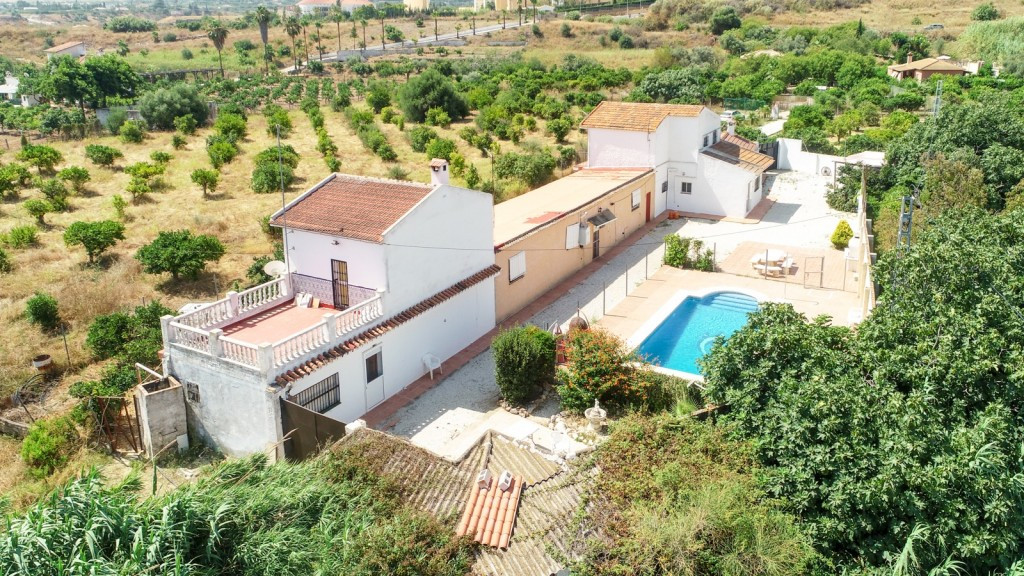 Opportunity!! Ideal for B&B.  Large Finca in Alhaurin de la Torre with 3 adjoining houses.  It i,Spain