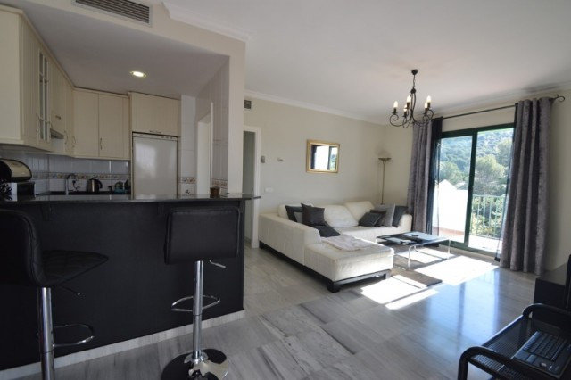 R2395187: Apartment for sale in Alhaurin Golf