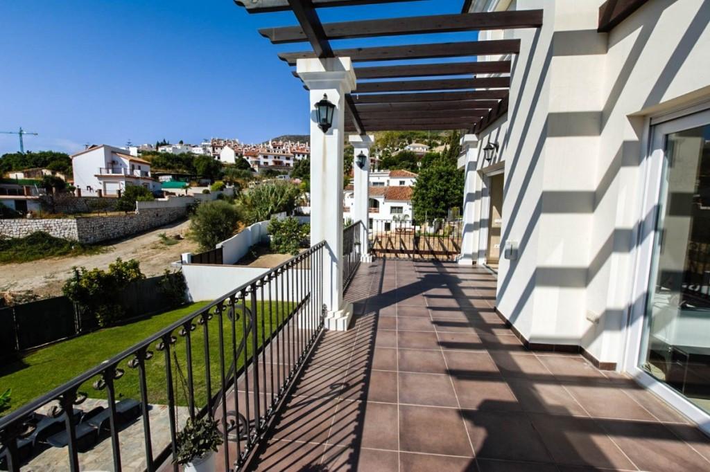 Villa con 5 Dormitorios en Venta Benalmádena