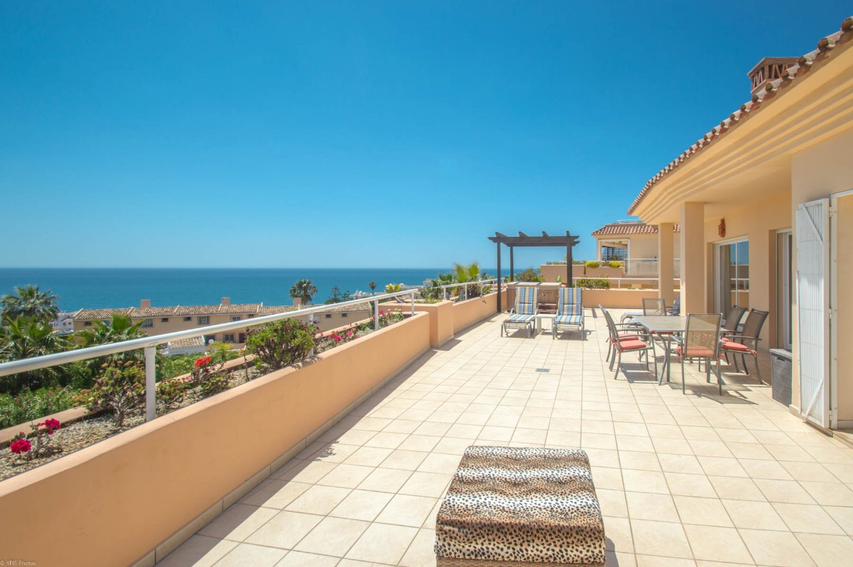 Beautiful Penthouse with large sunny terrace and panoramic views of the sea, mountains and surroundi,Spain