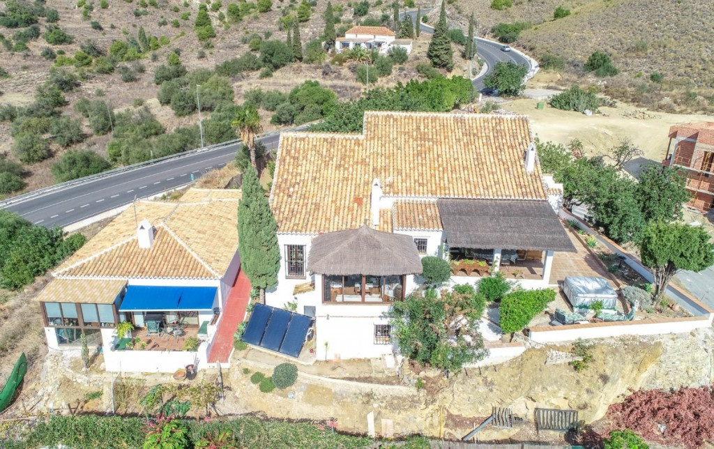 Wonderful Finca/Cortijo of the year 1876 with independent and modern apartment with panoramic views Spain