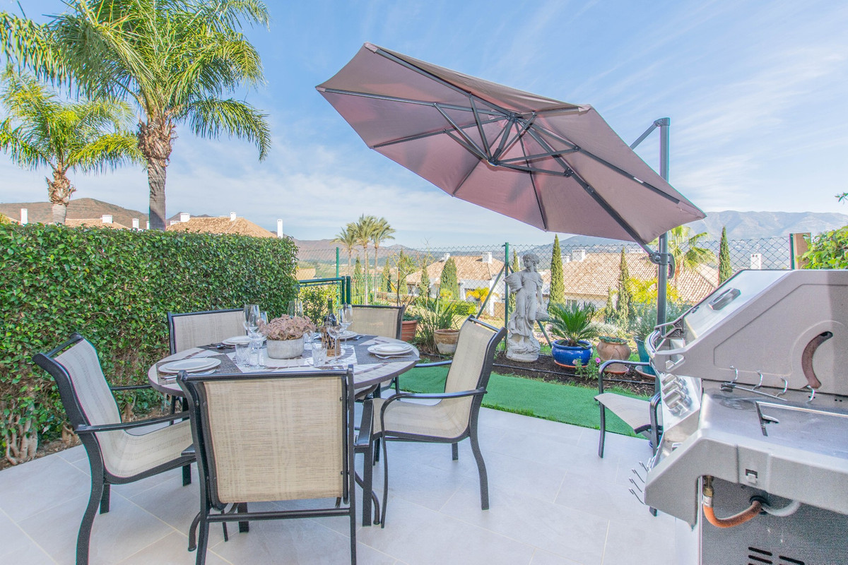 Ideal for family home and convenient situated for Golf lovers.  Splendid townhouse , located in a lo,Spain