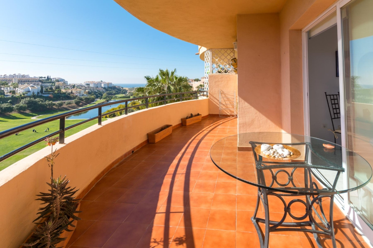Wonderful apartment in Riviera del Sol with beautiful views along the golf course.  It is distribute,Spain