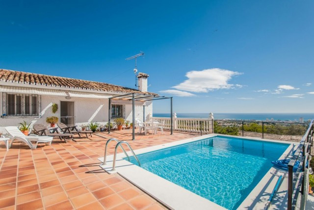 OPPORTUNITY!! IDEAL FOR RESIDING ALL YEAR OR SHORT-TERM RENTALS!!  RECENT REDUCTION FROM 695.000€ TO,Spain