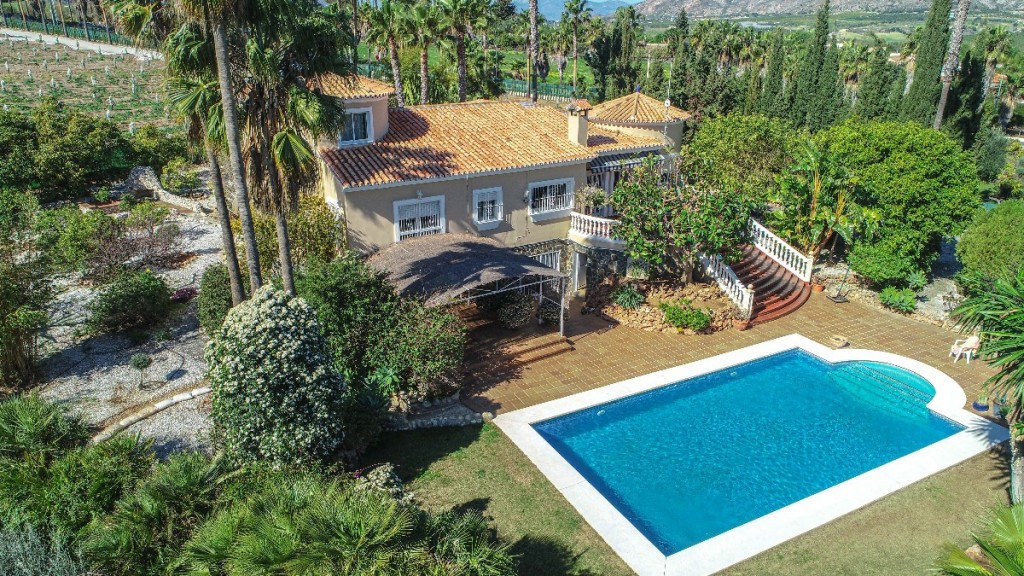 Lovely Finca on a large plot offering 100% privacy and tranquillity located in Alhaurin de la Torre., Spain