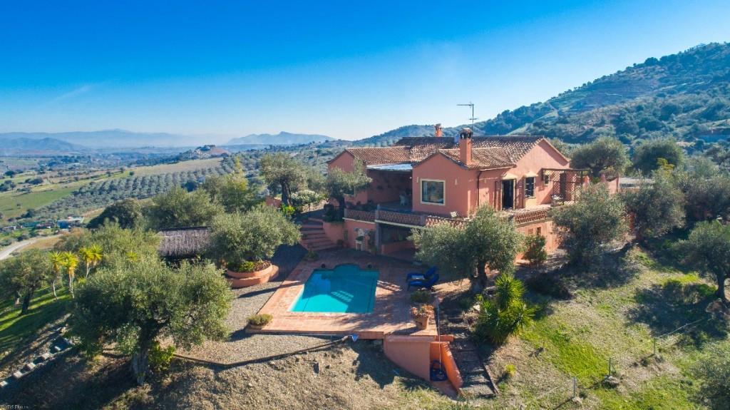 AFO on place!!  Spectacular Finca with additional two bedroom guest house built with the highest qua, Spain