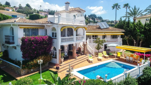 BARGAIN!! RECENT REDUCTION FROM 595.000€ TO 570.000€ FOR A FAST SALE!!  Opportunity to buy a beautif,Spain