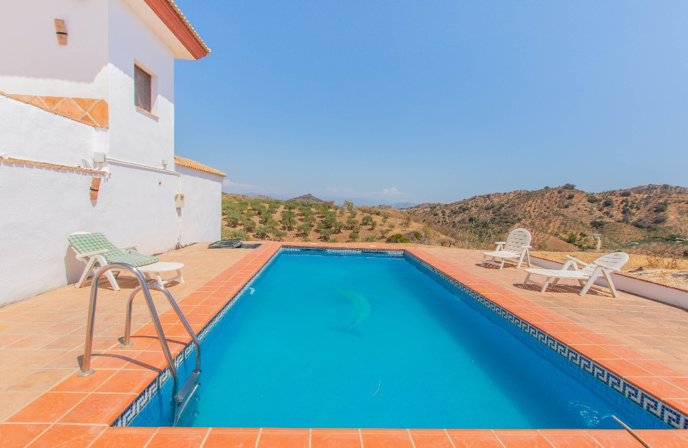 Lovely Finca totally renovated with spectacular views and 100% privacy located on the outskirts of G,Spain