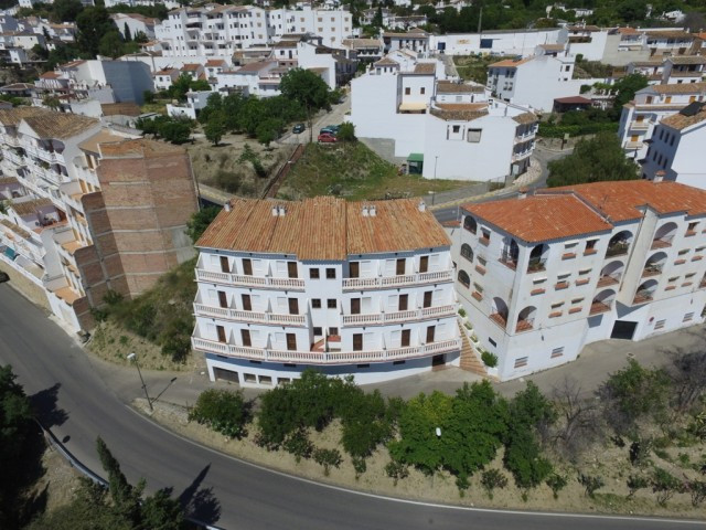 MULTI LEVEL HOTEL WITH PANORAMIC VIEWS IN THE CENTRE OF CASARABONELA!!  The Hotel is distributed ove,Spain