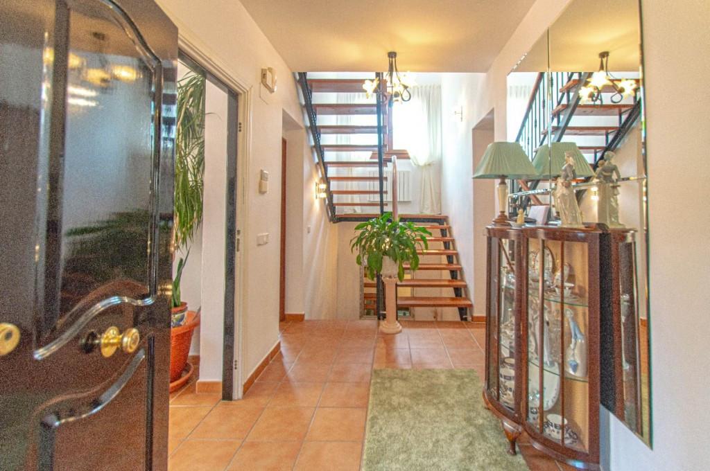House in Alhaurín de la Torre R2214611 4