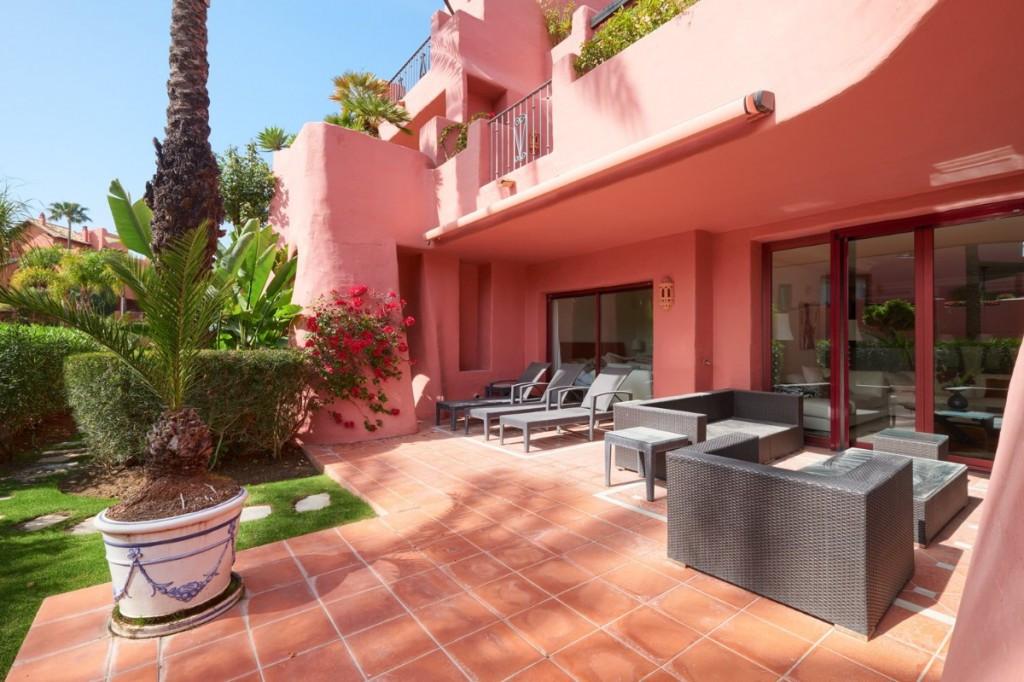Apartamento Planta Baja en venta en Estepona R3550267