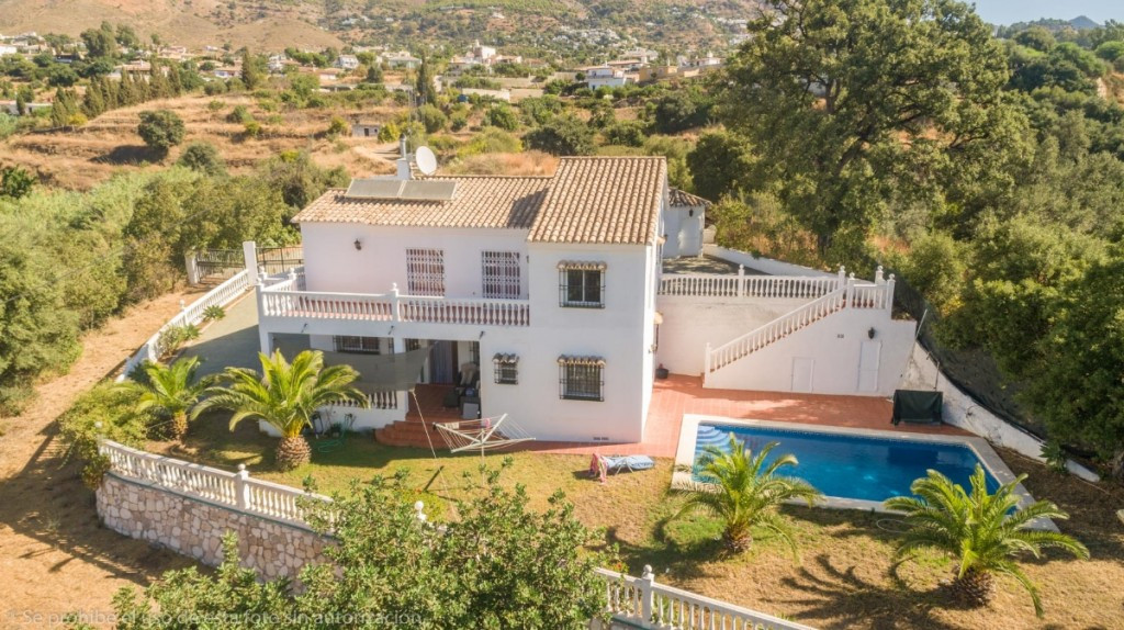 Recent reduction for a quick sale from 490.000€ to 390.000€  Fantastic Finca in La Alqueria with tot,Spain