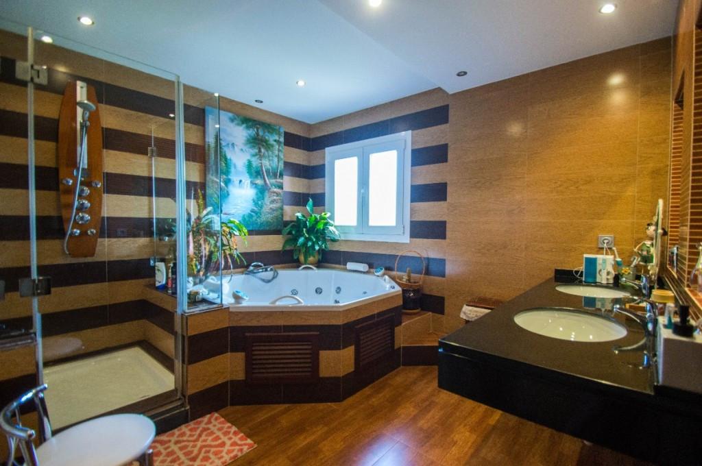 Villa con 4 Dormitorios en Venta Campo Mijas