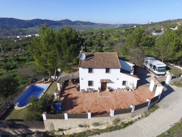 RECENT REDUCTION FROM 320.000€ TO 269.000€!!  Finca with panoramic views close to Ronda. Completely ,Spain